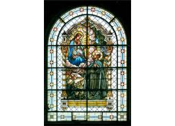 Celinová poh¾adnica Vianoce 2014: Narodenie – vitráž v kostole Nanebovzatia Panny Márie v Chynoranoch