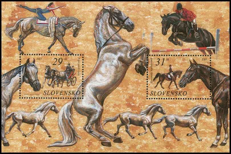 Hárček s poštovými známkami Ochrana prírody: Kone - Lipicanský kôň a Slovenský teplokrvník