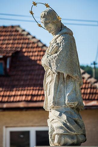 Obnova sochy J�na  Nepomuck�ho v Divine