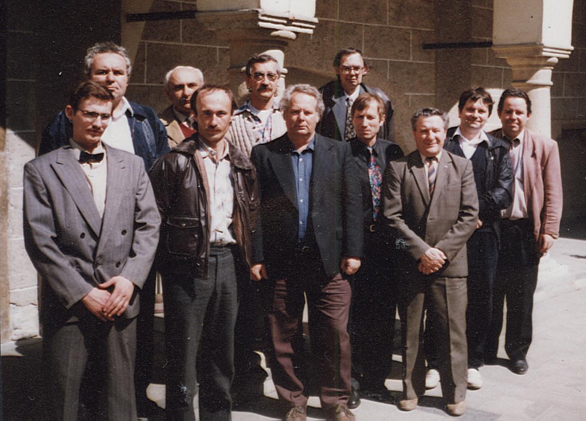 Zakladatelia Slovenskej spolo�nosti zberate�ov zn�mkov�ch kraj�n cel�ho sveta (SSZZK)